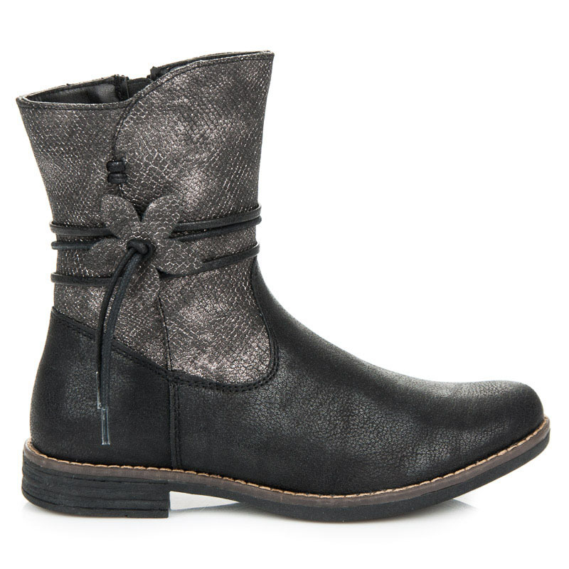 Dokonalé černé dívčí kotníkové boty s ozdobou