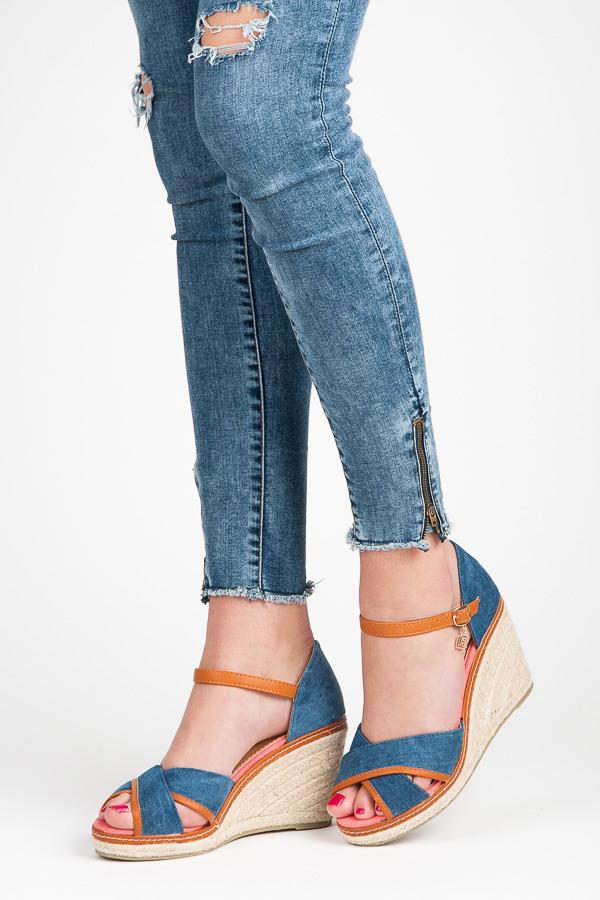 Džínové modré sandály na klínu