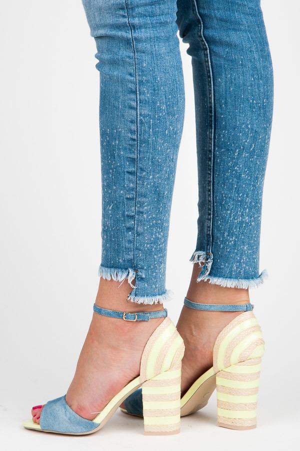 Džínové žluté sandály na podpatku