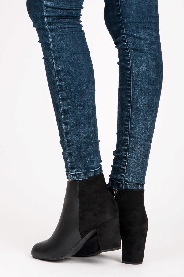Elegantní černé kotníkové boty na podpatku  e298479ff1