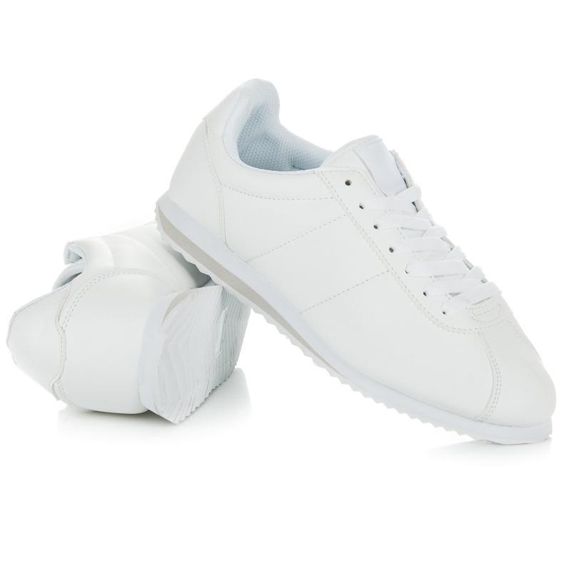 Klasické bílé tenisky na šněrování