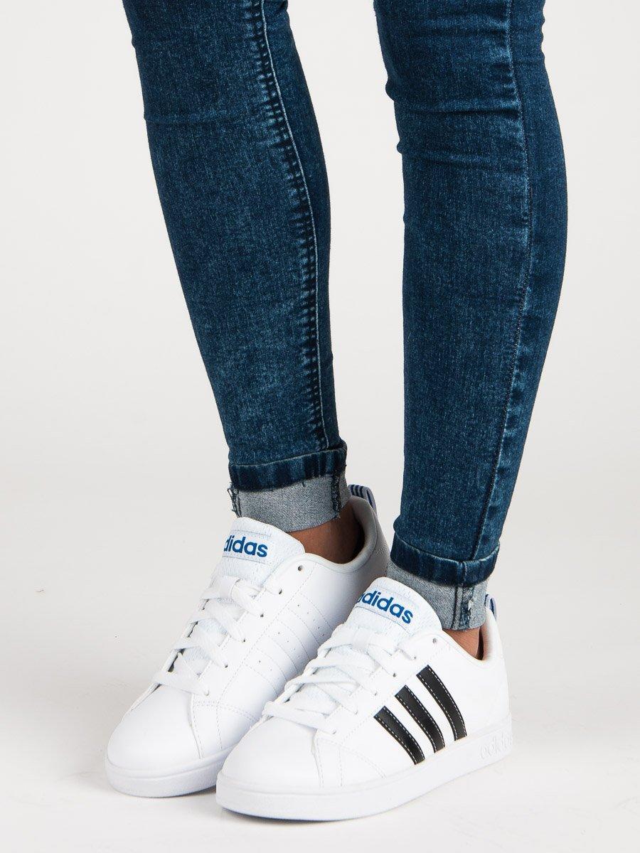 4b35298b00 Ležérní bílé tenisky od značky Adidas