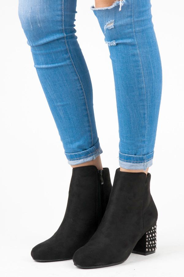 Módní černé kotníkové boty s kamínky na podpatku
