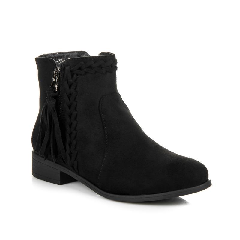 Módní černé kotníkové boty s třásněmi