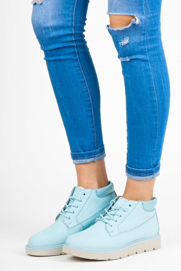 Nízké modré kotníkové boty na platformě