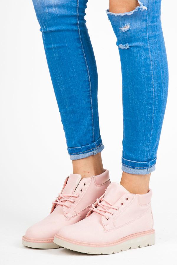 Nízké růžové kotníkové boty na platformě