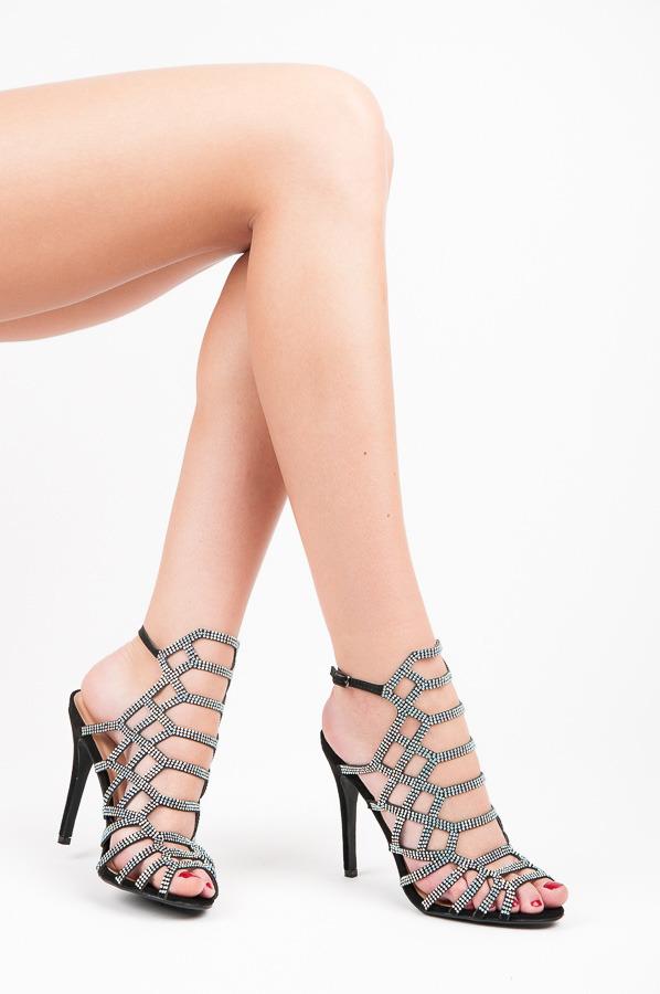 Páskové černé sandály s kamínky