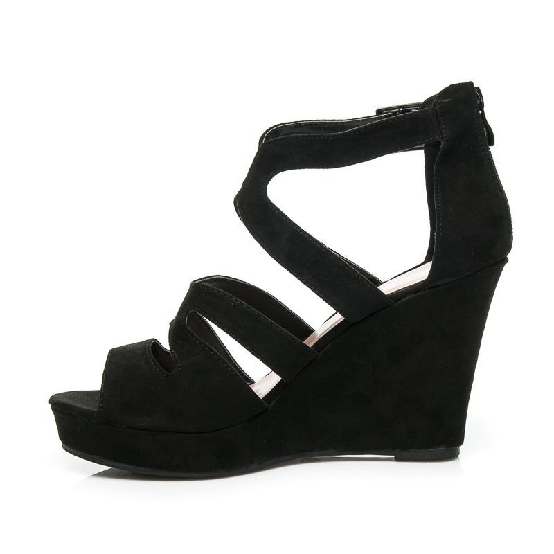 Stylové černé dámské sandálky s efektním vykrajovaným vzorem