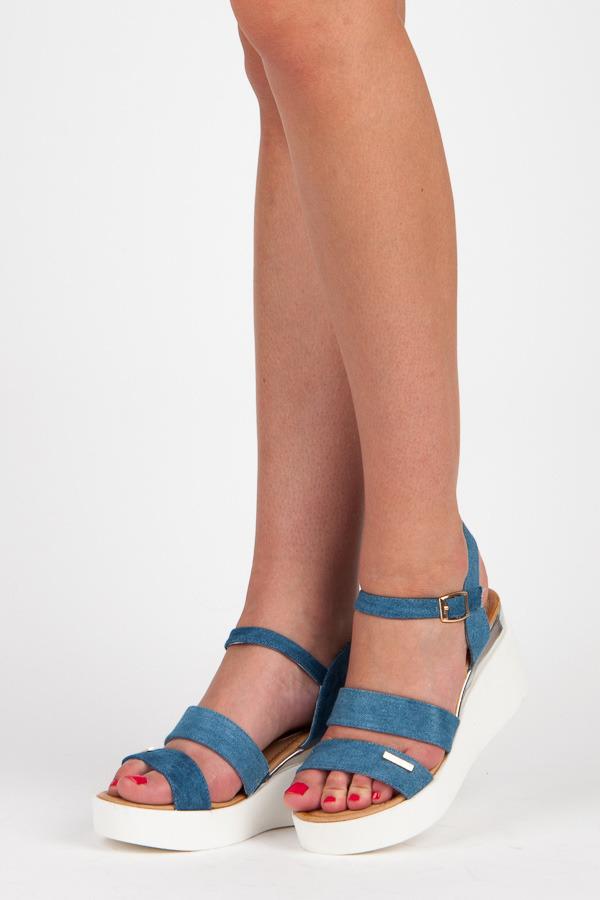 Stylové modré sandály na klínu
