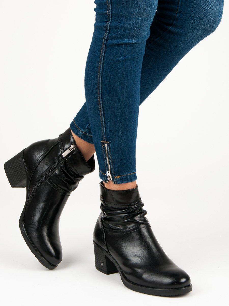 Kotnikove boty na nizkem podpatku cerne levně  9829225a45