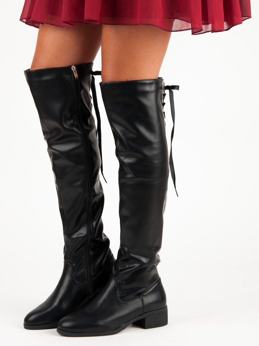 Černé kozačky nad kolena