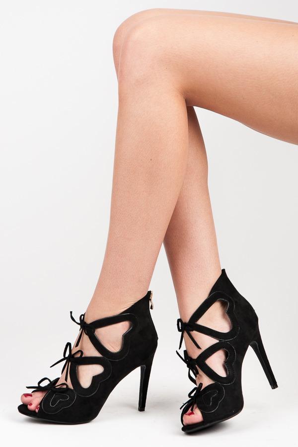 94f654e0ce0c Dámské černé semišové kotníkové sandály s mašličkami