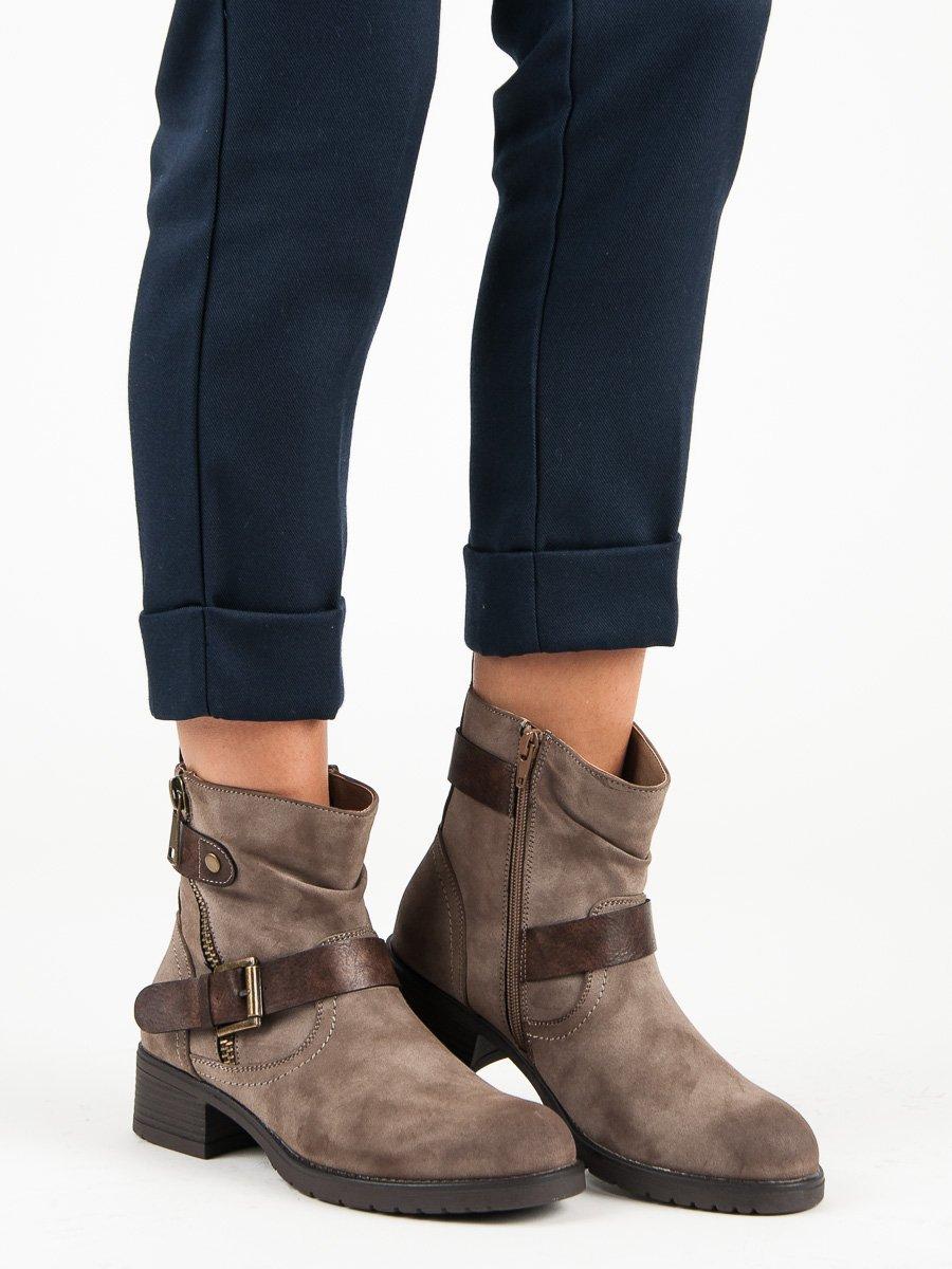18f2941b491 Dámské hnědé kotníkové boty