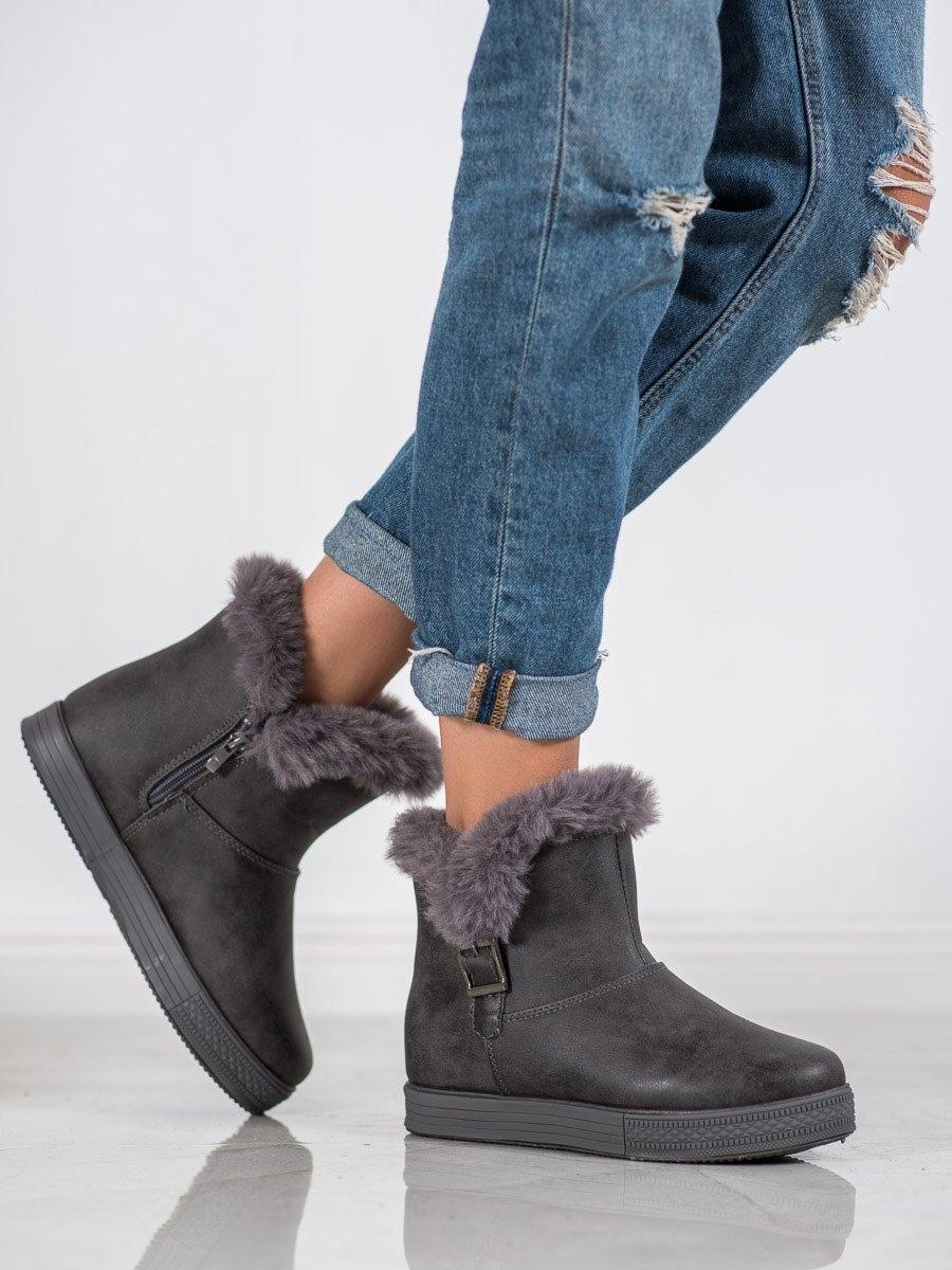 Exkluzívní dámské kotníčkové boty šedo-stříbrné na klínku
