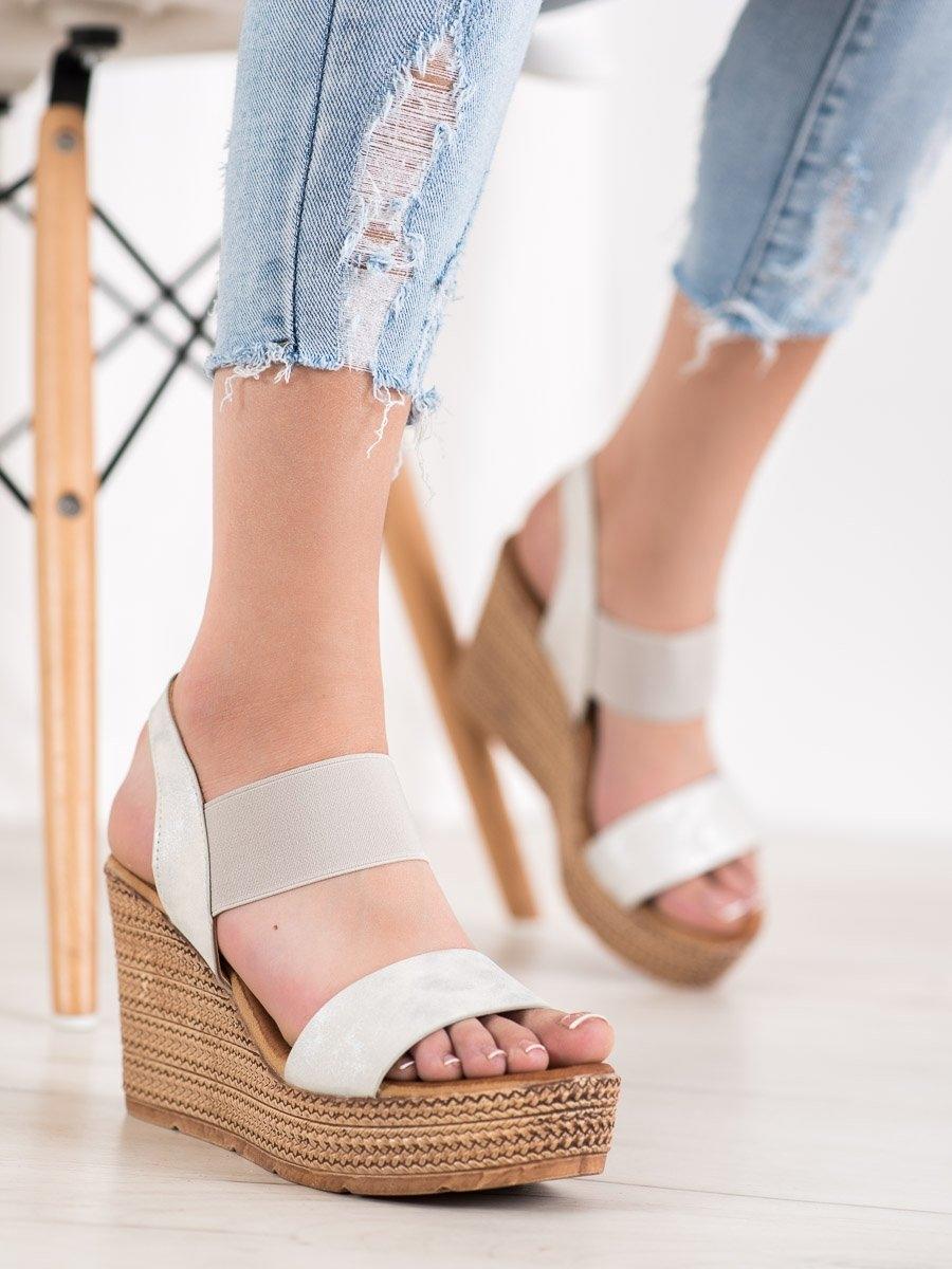 Exkluzívní dámské sandály bílé na klínku