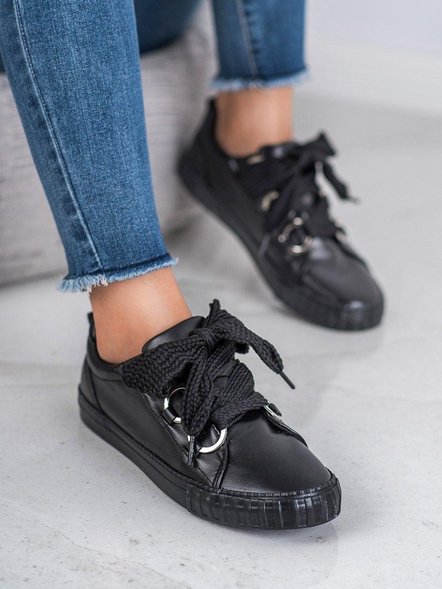 Jedinečné dámské polobotky černé bez podpatku