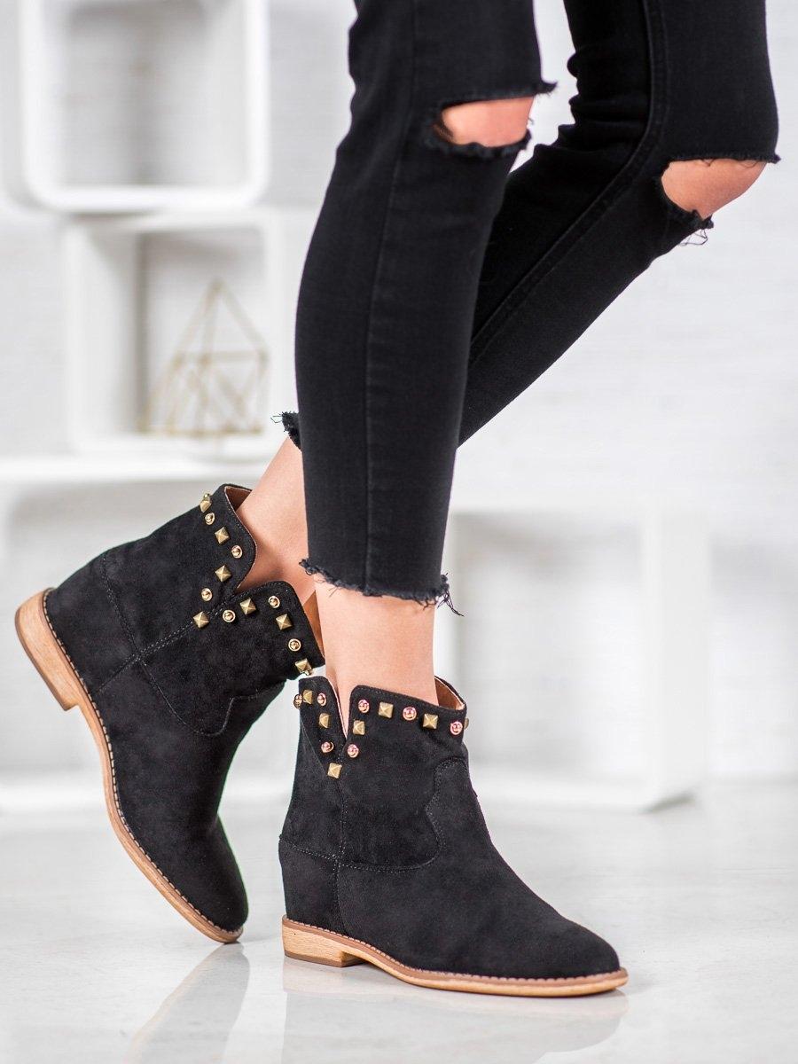 Krásné dámské černé kotníčkové boty na klínku
