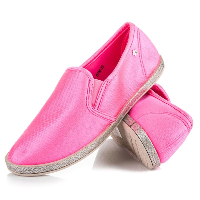 Krásné růžové dámské tenisky v lesklém provedení 91701f65c31