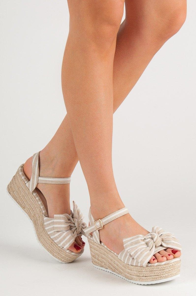 0973637897aa Luxusní sandály dámské hnědé na klínku