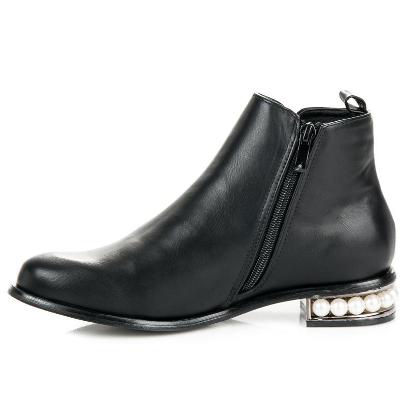... Nadčasové černé kotníkové boty s perličkami ... 87d1b19cb5
