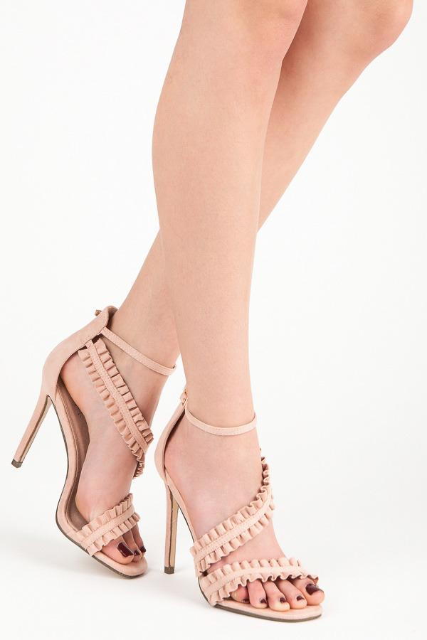 Originálně řešené růžové sandály na jehlovém podpatku 20b5d875d8