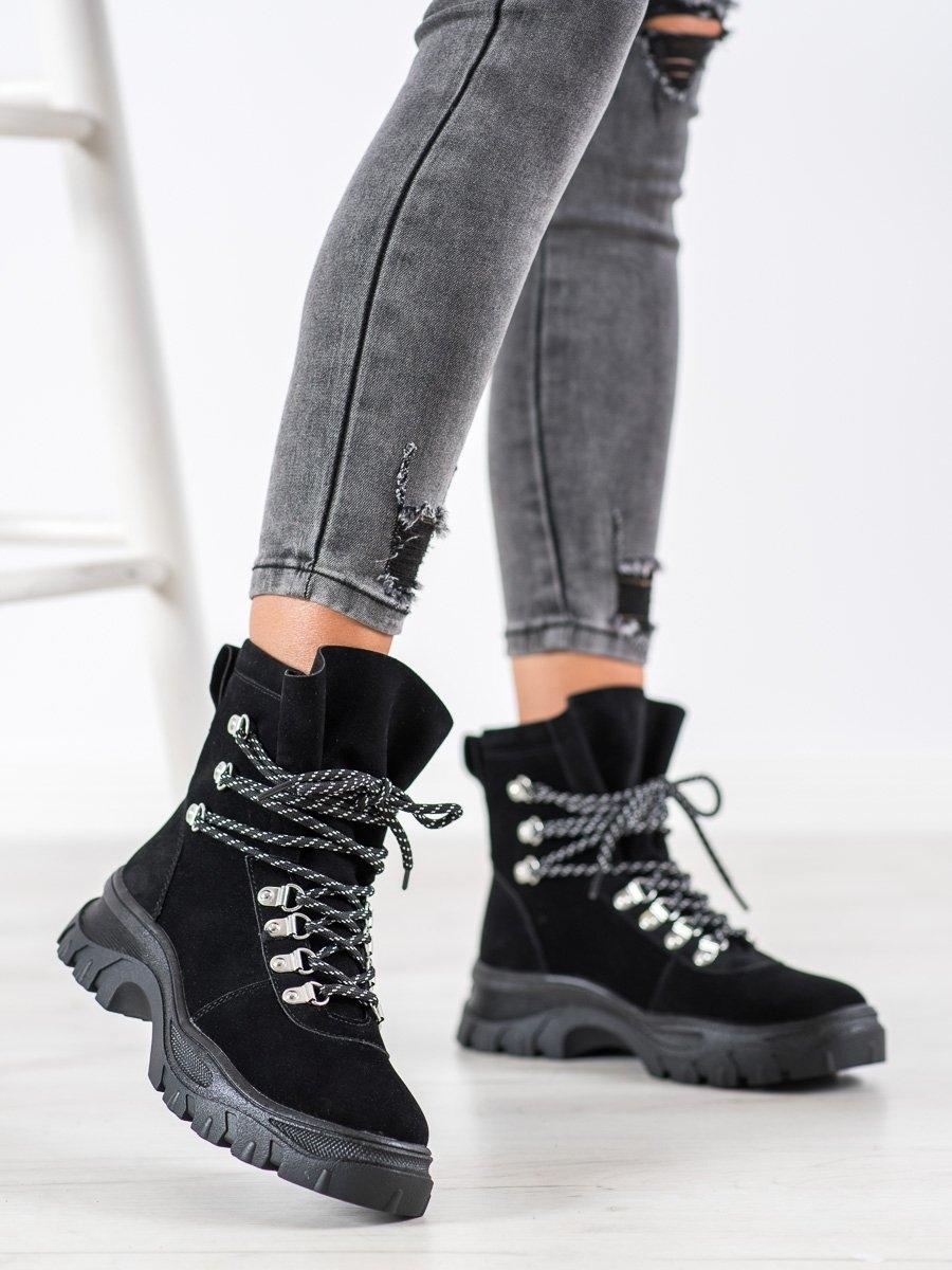 Originální dámské černé kotníčkové boty bez podpatku