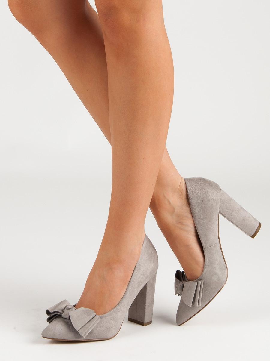 330d50c6ab4b Pěkné dámské šedo-stříbrné lodičky na širokém podpatku 40