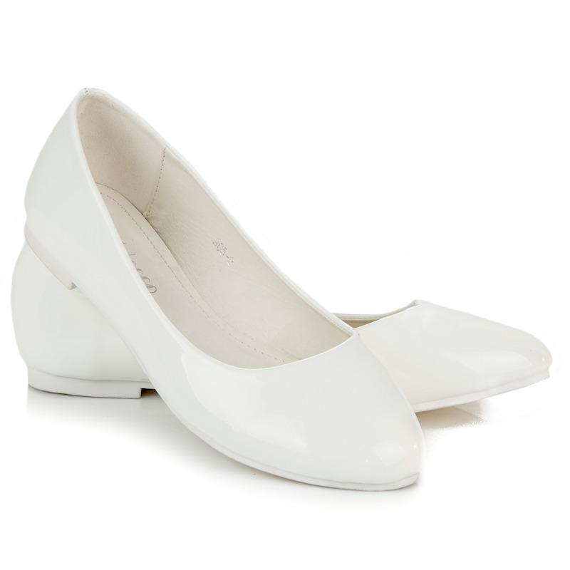 Pohodlné bílé lesklé baleríny  8a9eeae018