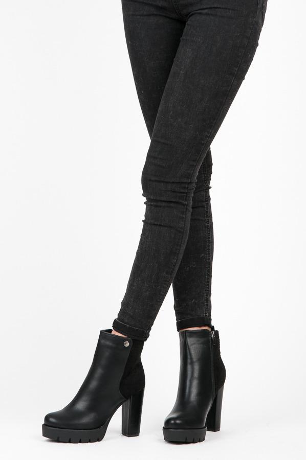 e3d00165e5f1 Pohodlné černé kotníkové boty na sloupkovém podpatku