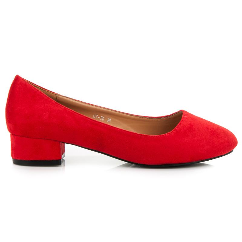 c55a6233248e Pohodlné červené semišové lodičky na nízkém podpatku