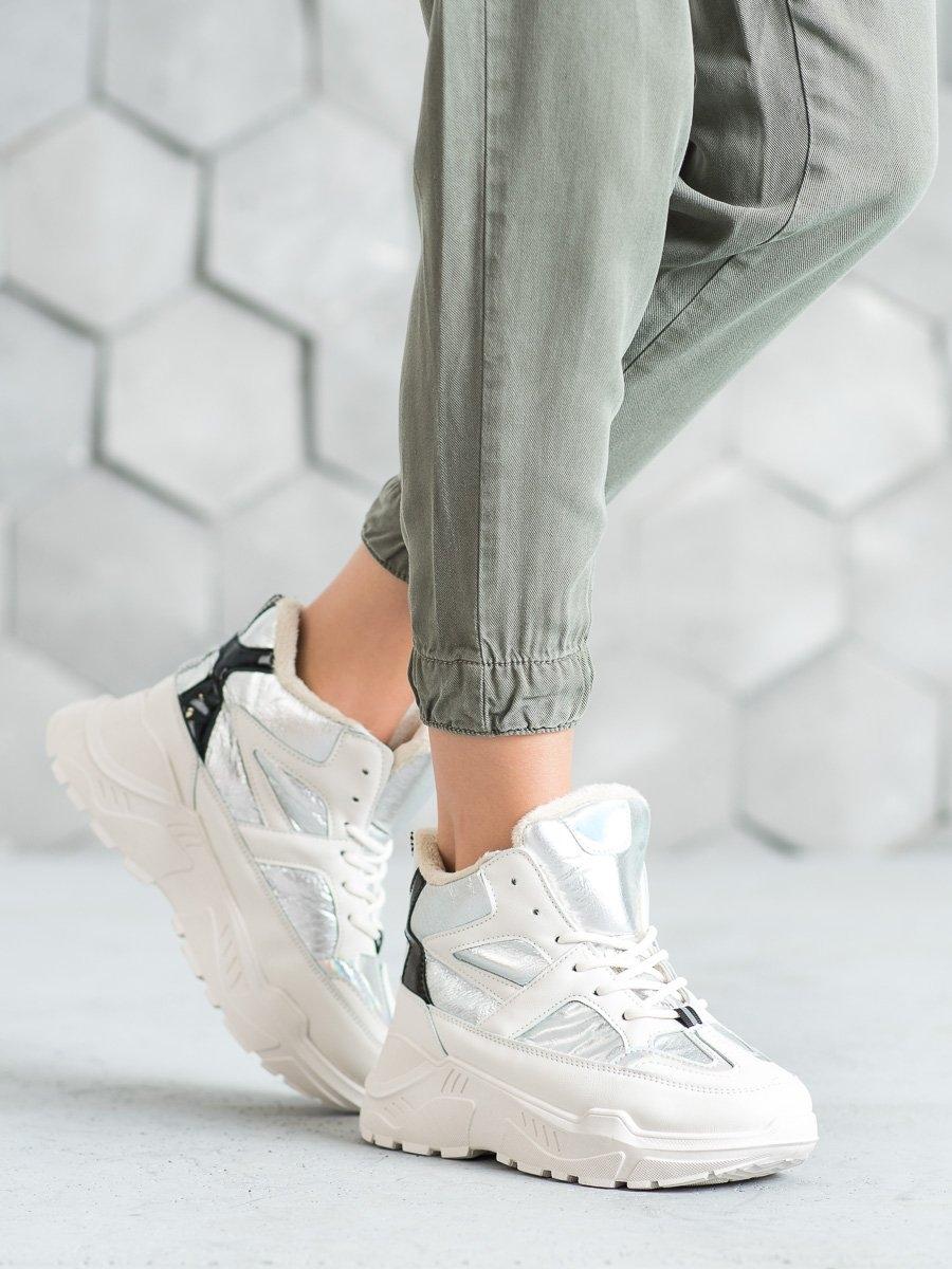 Pohodlné kotníčkové boty šedo-stříbrné dámské na klínku