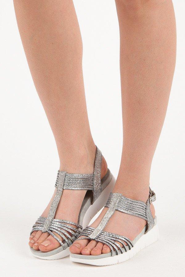 Romantické třpytivé sandály ve stříbrné barvě