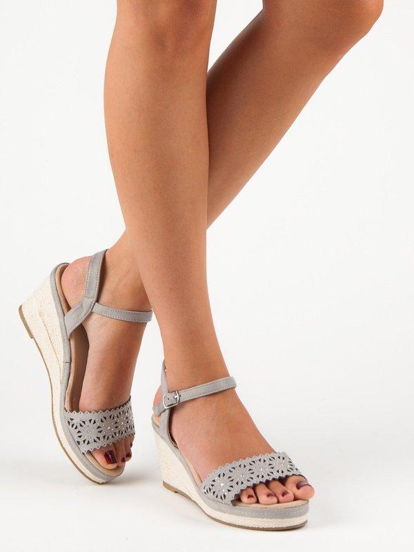 5280bbb46e7a Šedé sandály-espadrilky na klínku