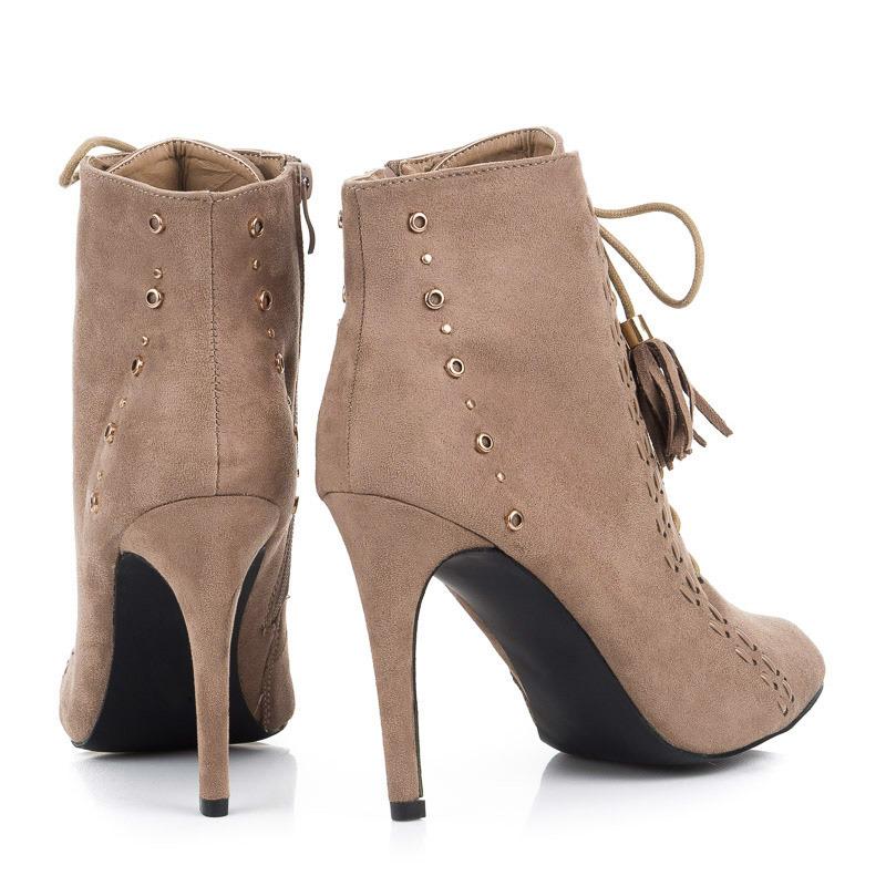 ... Šněrovací béžové kotníkové dámské boty na podpatku 4fd296ee82