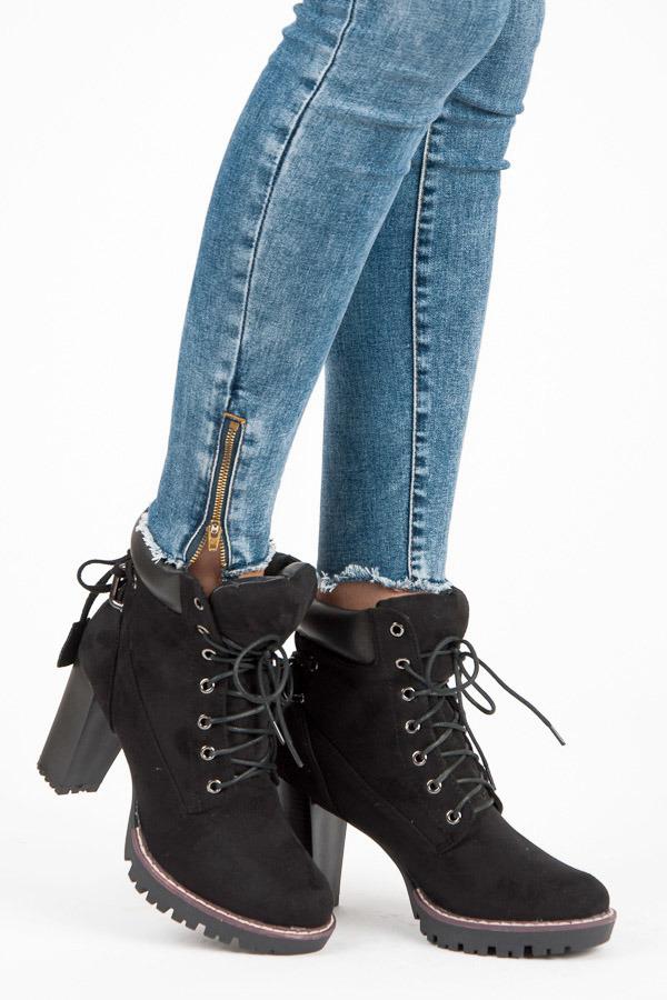 3cf773cc8645 Šněrovací černé kotníkové boty na sloupkovém podpatku