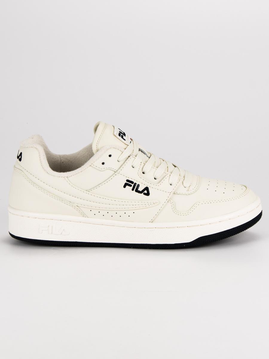 7c2a0d04f26dd Sportovní bílé pánské tenisky od značky Fila