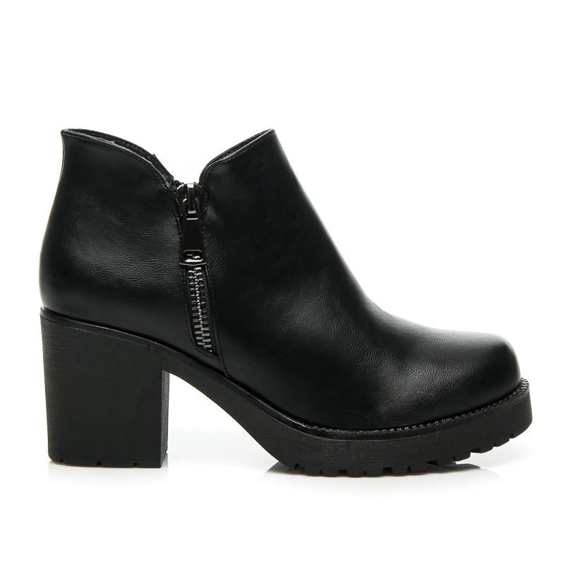 45747c78a605 Stylové černé kotníkové boty na širokém podpatku a platformě ...