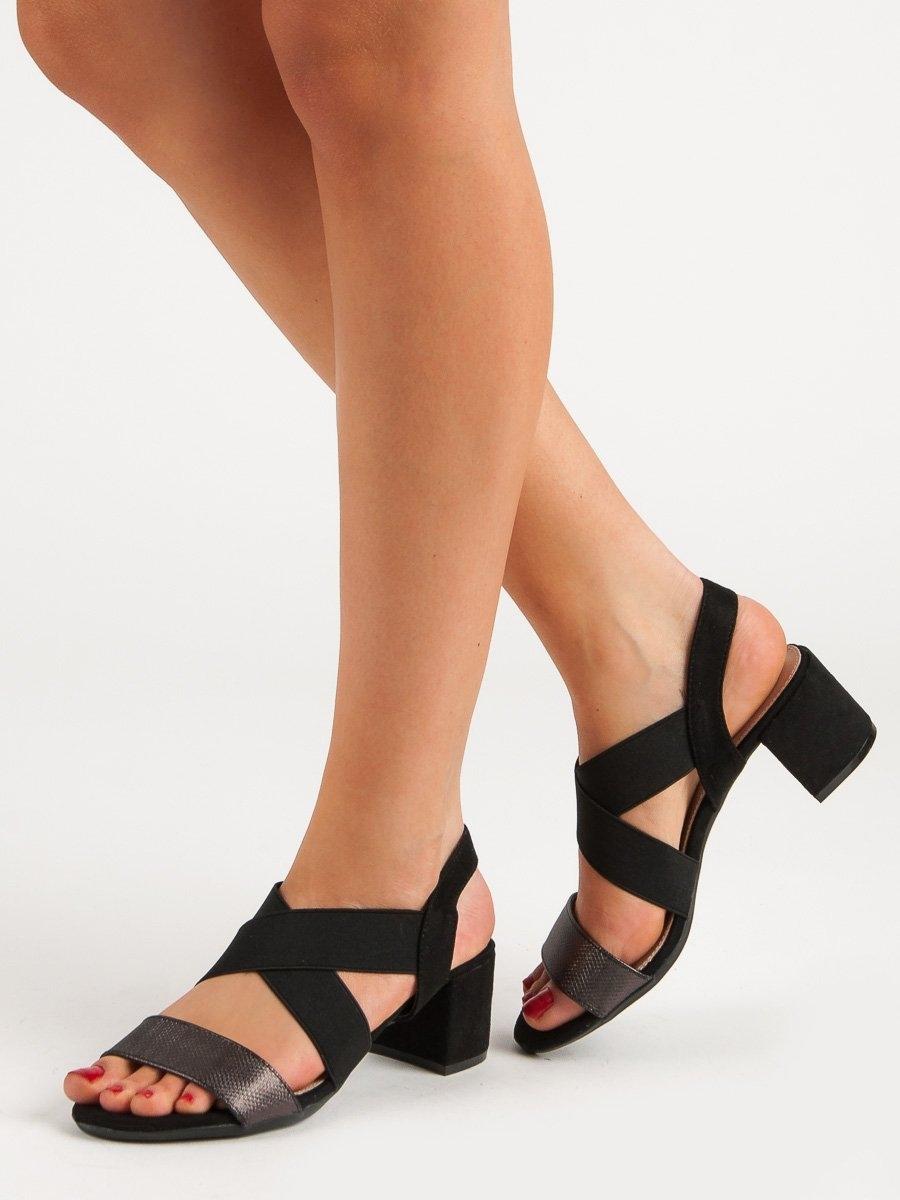 72d1a014cb97 Trendy černé dámské sandály na širokém podpatku