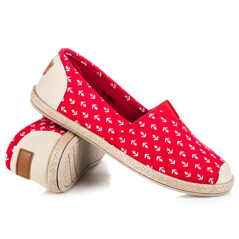 Trendy červené espadrilky v námořníckem stylu  2292ec7374c
