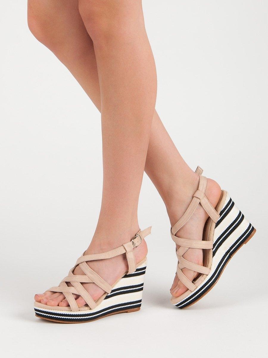 Trendy dámské hnědé sandály na klínku d1b1ad20c8f