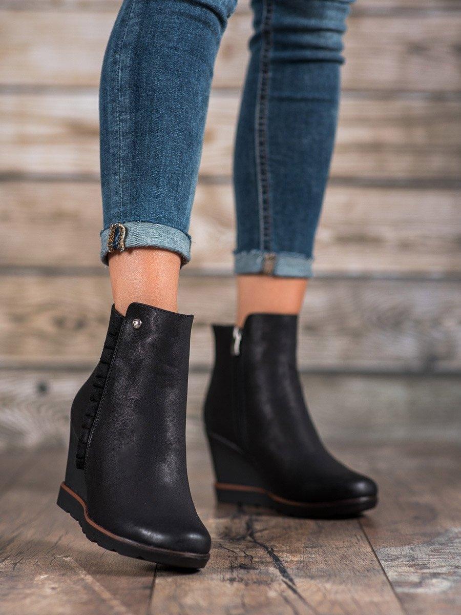 Trendy kotníčkové boty černé dámské na klínku