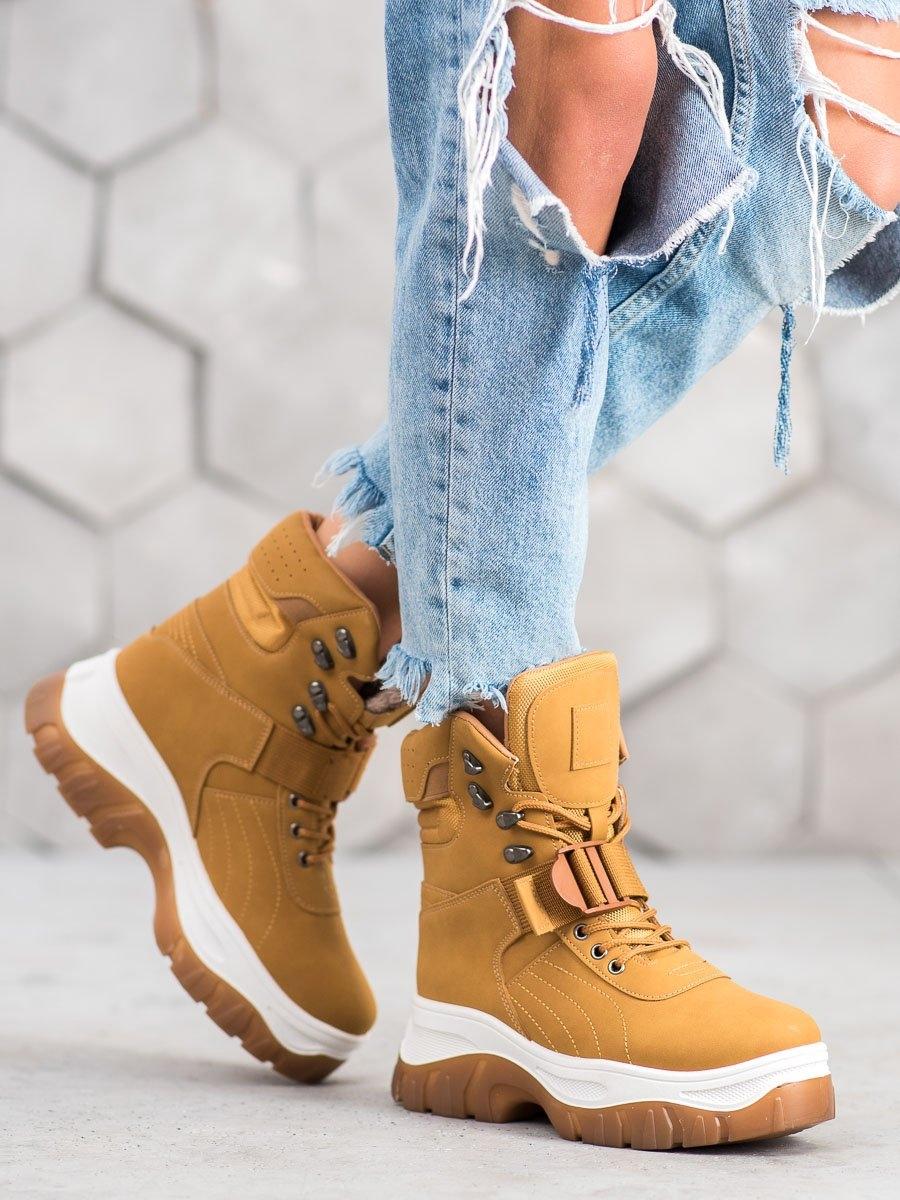 Trendy kotníčkové boty hnědé dámské na klínku